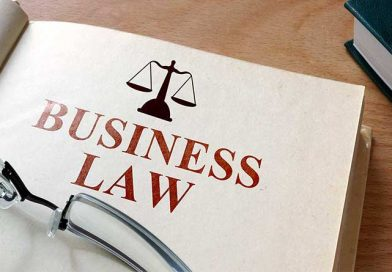Who Would Benefit From Obtaining a Business Law Degree?